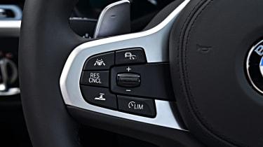 BMW X3 M40i - steering wheel controls