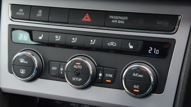 SEAT Leon X-Perience - centre console