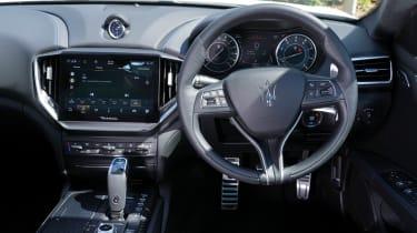 Maserati Ghibli Hybrid - dash