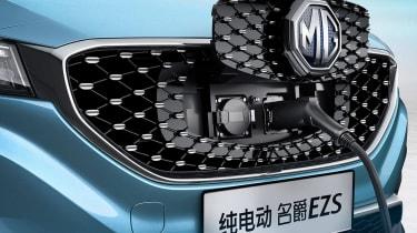MG eZS - charging