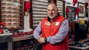 Ferrari%20toy%20car-5.jpg