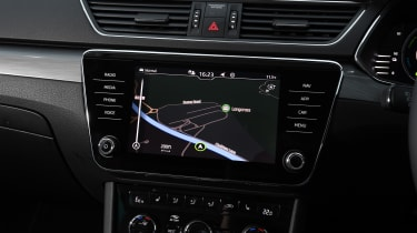 Skoda Superb iV Estate - sat-nav