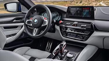 BMW M5 - dash