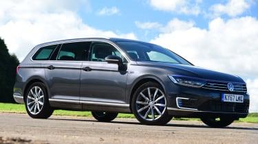 Volkswagen Passat GTE - front