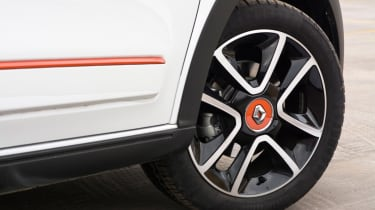 Triple test – Renault Twingo - alloy wheel