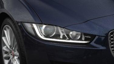 Jaguar XE 200PS - front light