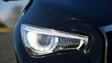 Infiniti Q50 S 2017 - headlight