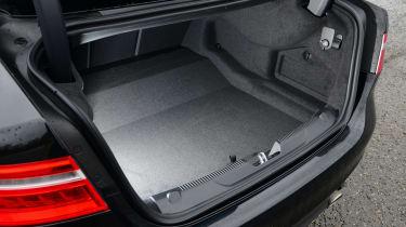 Jaguar XE 300 Sport - boot
