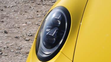 Porsche 911 Carrera 4 GTS - lights