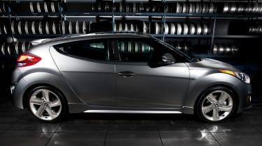 Hyundai Veloster Turbo profile