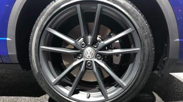 volkswagen t-roc r geneva alloy wheel