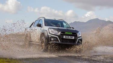 Isuzu D-Max XTR - front tracking off-road puddle