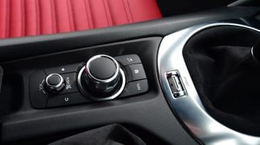 Abarth 124 GT - controls