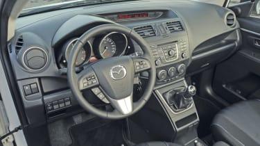 Mazda 5 1.6D interior