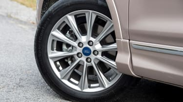 Ford Kuga Vignale 2016 - wheel
