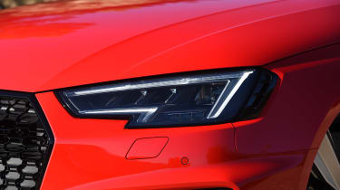 Audi RS 4 - front light