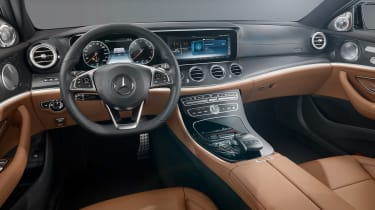 Mercedes E-Class dash black/brown