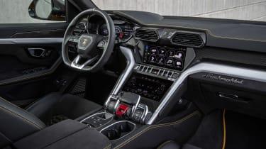 Lamborghini Urus - cabin
