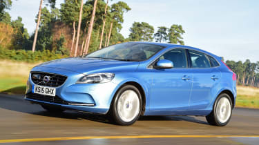Volvo V40 - front driving