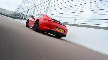 Porsche 911 GTS rear tracking