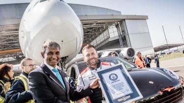 Porsche Cayenne pulls Airbus A380 - Guinness World Record