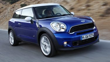 MINI Paceman front tracking