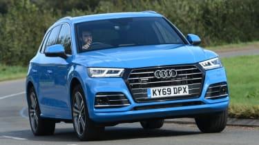 Audi Q5 TFSI e - front action