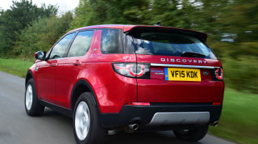 Land Rover Discovery Sport - rear tracking