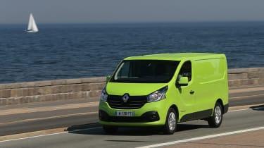 Renault Traffic - traffic road scene