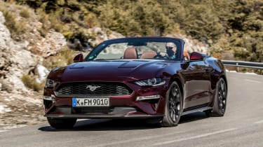 Ford Mustang EcoBoost Convertible - front action