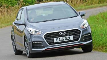 Hyundai i30 Turbo - front cornering