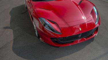 Ferrari 812 Superfast - bonnet