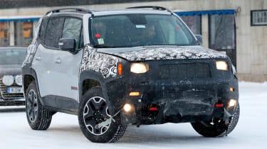 Jeep Renegade spy shot front quarter