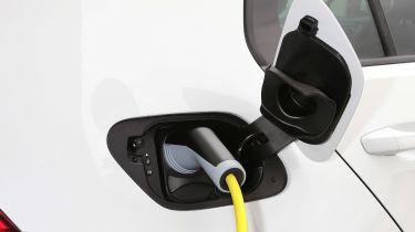 Volkswagen e-Golf - charging