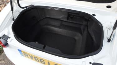 Fiat 124 Spider Boot