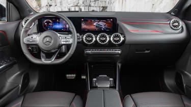 Mercedes GLA - dash