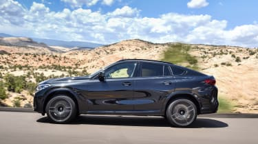 BMW X6 M Competition - side