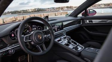 Porsche Panamera Turbo S E-Hybrid Sport Turismo - interior