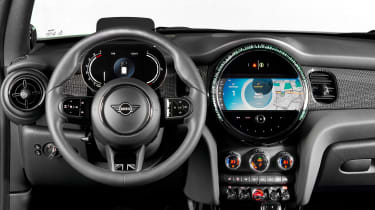 MINI 3-door hatch facelift - dash
