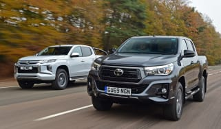 Toyota Hilux vs Mitsubishi L200 - header