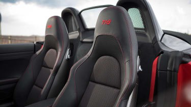 Porsche 718 Boxster T - seats