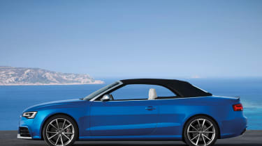Audi RS5 Cabriolet roof up