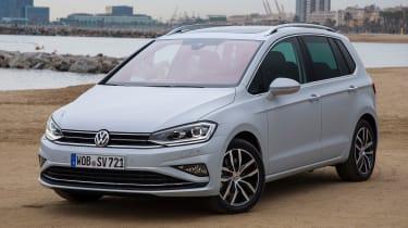 VW Golf SV - front