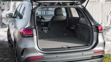 Mercedes GLA - boot seats down