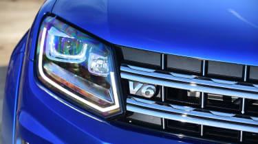 Volkswagen Amarok - headlight
