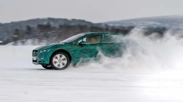 Jaguar I-Pace - winter testing