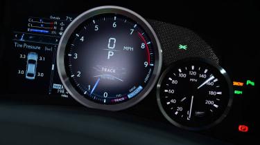 Lexus GS F - dials