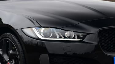 Jaguar XE 300 Sport - front light
