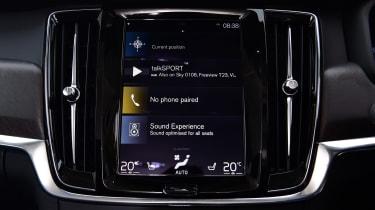 Volvo V90 Cross Country - infotainment