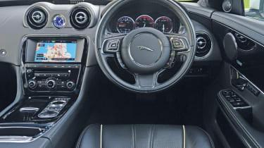 Jaguar XJ L interior